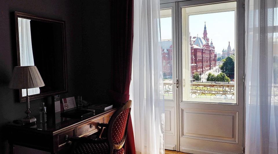 Inglese per il Turismo: Ruoli e responsabilità negli hotel